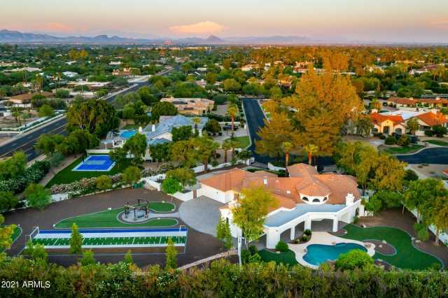 Photo of 5910 E STELLA Lane, Paradise Valley, AZ 85253