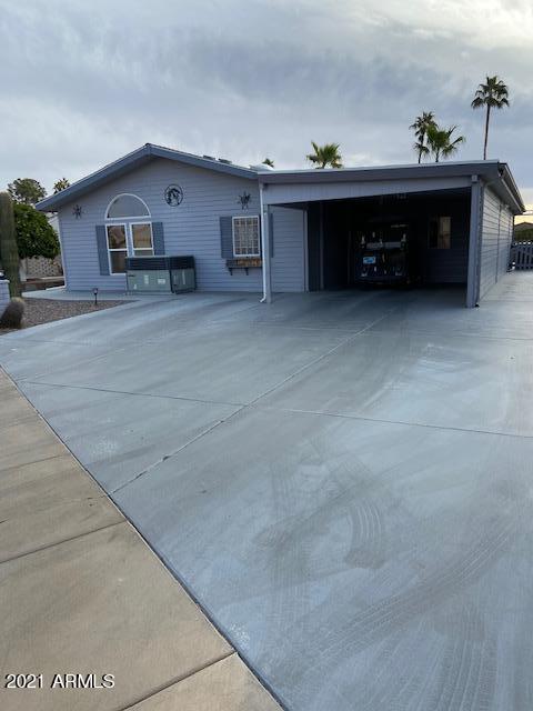 Photo of 5827 E LAWNDALE Street, Mesa, AZ 85215