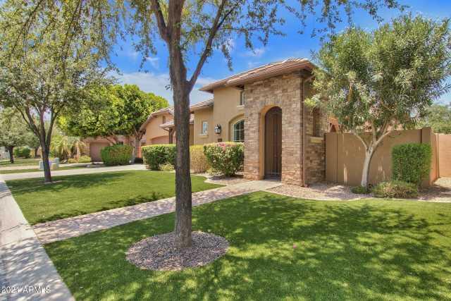 Photo of 1120 W YOSEMITE Place, Chandler, AZ 85248