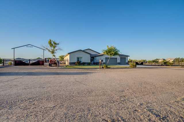 Photo of 384 W Adobe Dam Road, San Tan Valley, AZ 85143