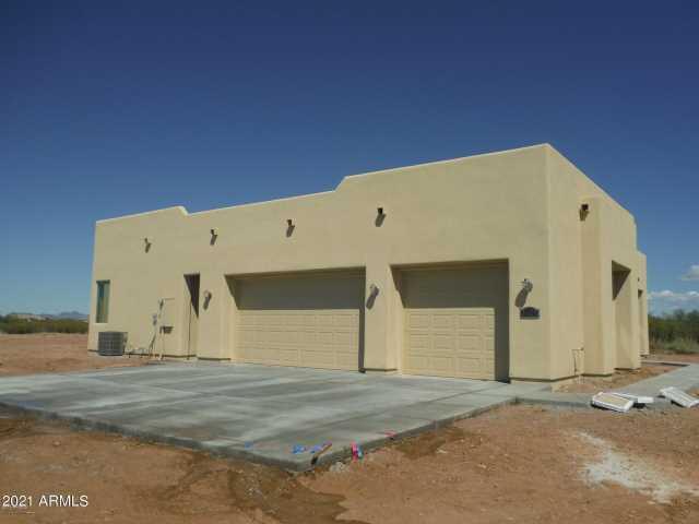 Photo of 22609 W LAURA Street, Wittmann, AZ 85361